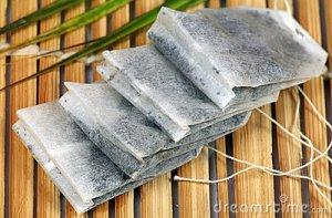 Paper tea bags (© www.dreamstime.com)