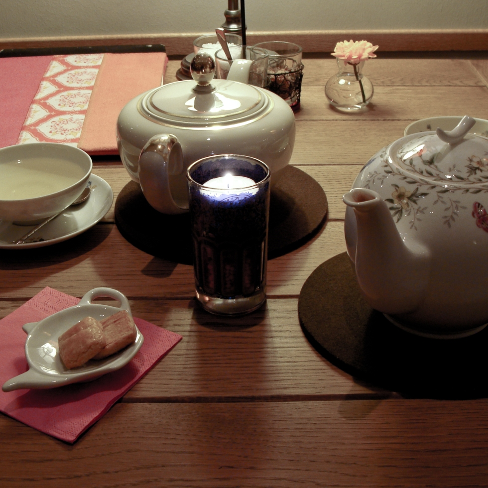 Porcelain teapots and cups at First Flush TeaRoom in Bonn