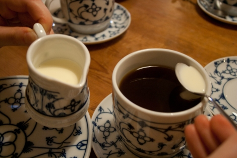 Adding cream is the last step before you drink the East Frisian tea