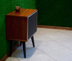 Old-school loudspeaker turned into a table in Chaika