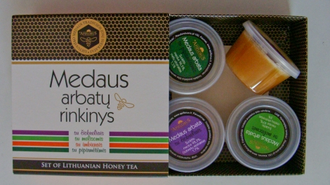 A set of Lithuanian honey tea