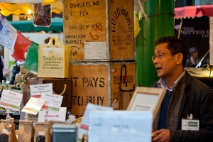 Ratan Mondal explaining how to prepare Darjeeling tea
