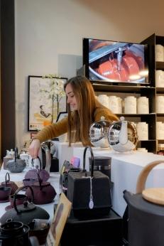 Photo shooting in a tea shop in Namur
